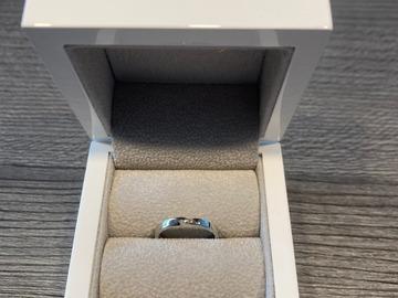 Ilmoitus: Emil Lindfors design Aeterna sormus