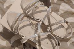 Ilmoitus: Menbur sandaalit nilkkaremmillä, koko 37