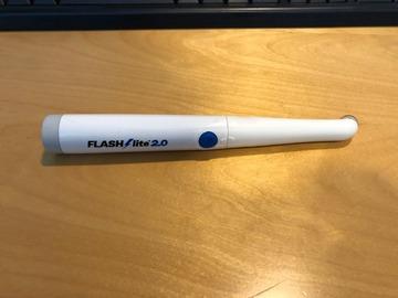 Gebruikte apparatuur: Uithardingslamp Magma Flashlite 2.0 (3 stuks)