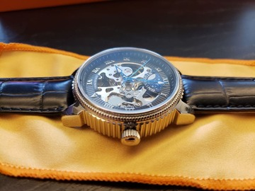 Myydään: Stührling automatic mens skeleton watch