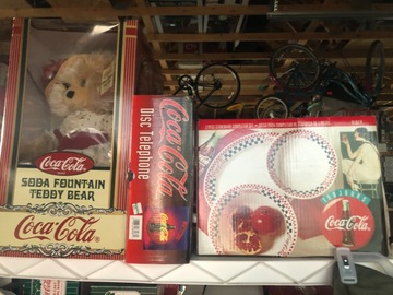 Liquidation/Wholesale Lot: Coca Cola merchandise lot