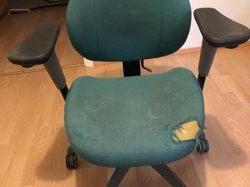 Myydään: giving away a office chair