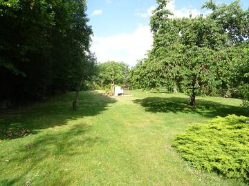NOS JARDINS A LOUER: Grand jardin très agréable