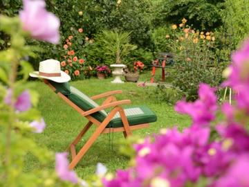 NOS JARDINS A LOUER: jardin avec piscine