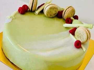 Selling: Oishi Matcha cake