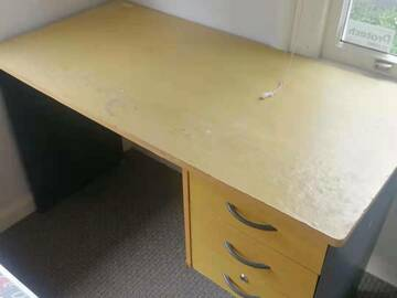 For Sale: Desk for Sale only $40