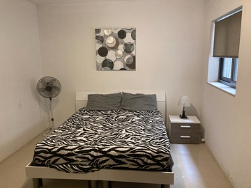 Rooms for rent: ROOM UN SHARED APARTMENT IN BALLUTA BAY
