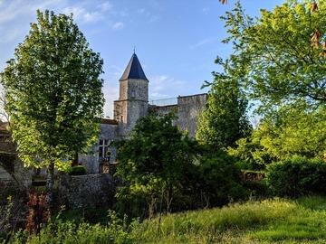 NOS JARDINS A LOUER: Château de Courcelles-le-Roi
