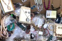Liquidation/Wholesale Lot: 10 LBS Treasure Trove Jewelry! To Make Room in our Warehouse