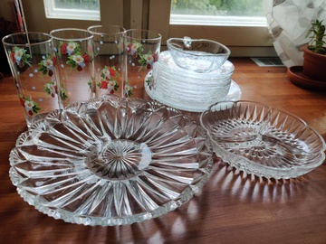 Myydään: 20 x beautiful glassware: plates, cups, serving plates and bowl