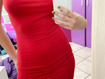Selling without online payment: Red prettylittlething bodycon dress