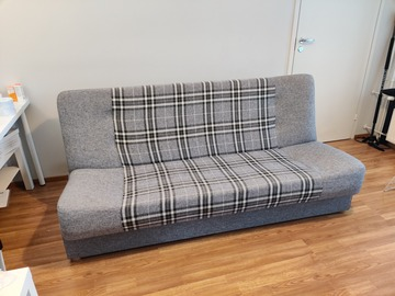 Myydään: Sofabed with cover