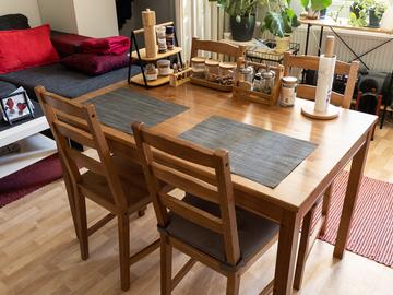 Myydään: Ikea dining table / kitchen table +chairs / Ruokapöytä +tuolit