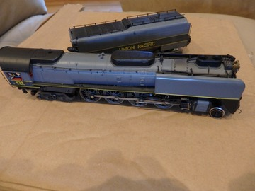 Selling with online payment: Rivarossi Steam Locomotive and tender used vintage