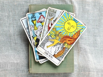 Selling: Ask three questions to the tarot