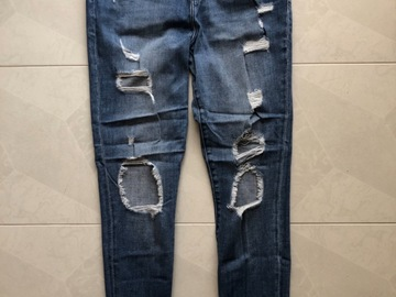 Selling with online payment: Abercrombie & Fitch Jeans