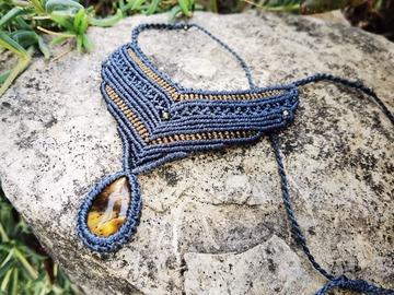 Vente au détail: Collier gris-bleu et cuivre avec Oeil de Tigre