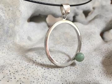 Vente au détail: Collier cuir et pendentif argent et perle de chrysoprase