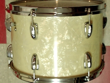 Selling with online payment: Early 1960s SLINGERLAND 9x13 WMP tom