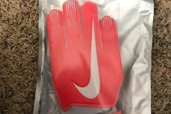 Liquidation/Wholesale Lot: Nike GK Match Youth Goalie Gloves sz 6, lot of 6 pair