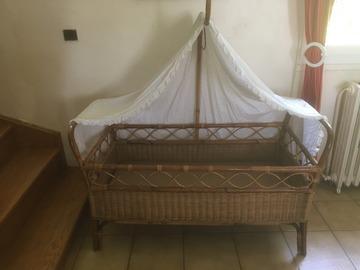 Vente: Vends lit enfant en rotin / vintage / ancien