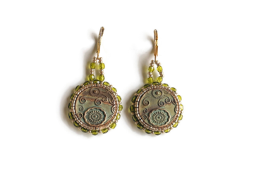 Selling: Gorgeous Unique Green Pendant Beaded Earrings