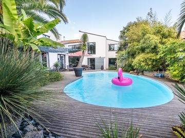 NOS JARDINS A LOUER: Jardin exotique avec piscine et jacuzzi