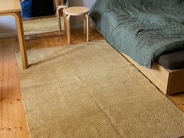 Selling: large carpet 140x200