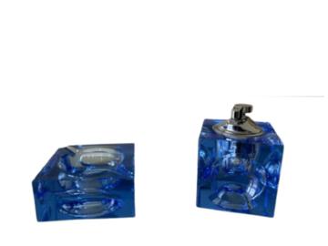 Vente: Cendrier et briquet rechargeable en verre bleu Année 1970