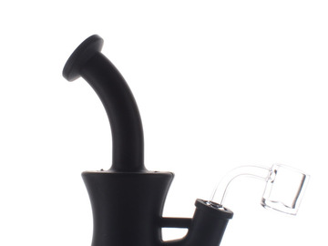 Post Now: Silicone Bong With Banger