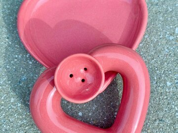 Post Now: HEART PIPE with ASHTRAY