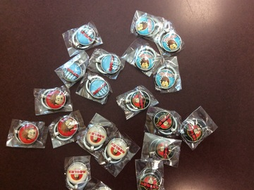 Liquidation/Wholesale Lot: ROBLOX themed keychains lot of 20, 5 designs