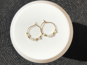 Vente au détail: Créoles 20mm (perles blanche)