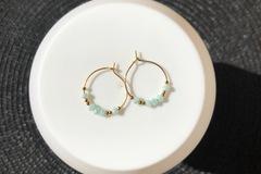 Vente au détail: Créoles 20mm (perles bleu)