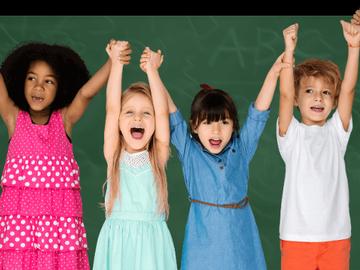 VeeBee Virtual Babysitter: Practicante pedagogo amigable con niños