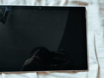 Faire offre: Surface pro 6 à réparer