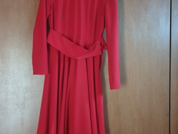 Selling: Red dress