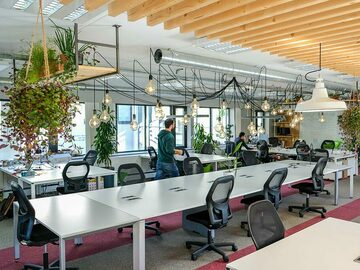 Rent Per Day: Transforma Co-working - Day Pass