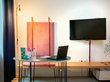 Rent Per Day: Private Room in Hotel -Day PAss