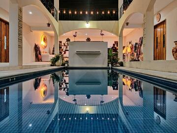 Start renting out your pool: Gorgeous indoor swimming pool