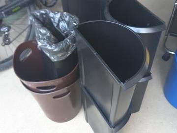 Biete Hilfe: Diverse Mülleimer
