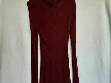 Selling: Plum lurex sweater