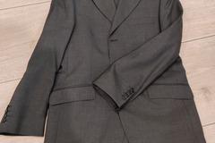 Ilmoitus: Young tummanharmaa puku