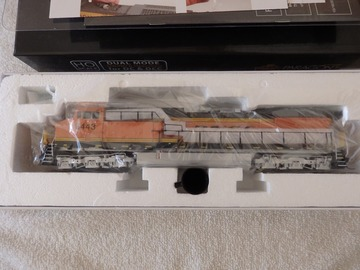 Selling with online payment: Broadway Limited HO AC6000 BNSF Paragon 3 Sound smoke