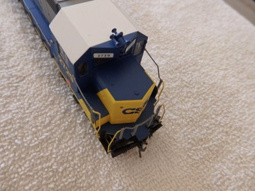 Selling with online payment: MTH HO GP38 Diesel Engine CSX sound and lights