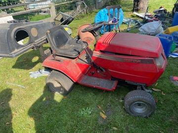 À vendre: Tracteur tondeuse