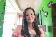 VeeBee Virtual Babysitter: Niñera y maestra