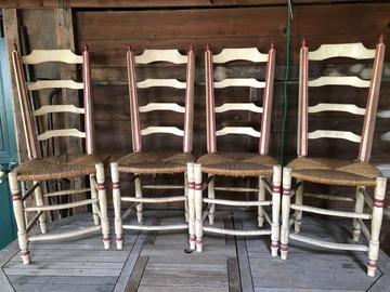 Vente: 4 chaises rustiques
