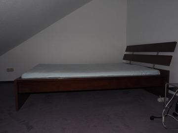 Biete Hilfe: Doppelbett und Kommode
