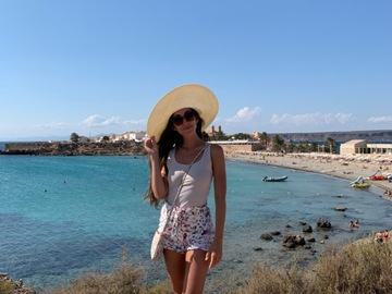 Looking for a room: Looking for a room -Sliema/Gzira/St.Julians